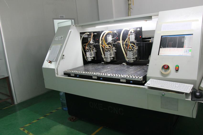 自动钻孔机3
